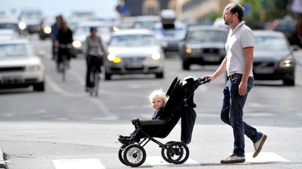 Pappa med barnvagn